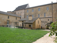 Auberge de Jeunesse de Cadouin • éco-Tourisme • CADOUIN