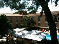 Hôtel Le Clos de l'Aube Rouge • éco-Tourisme • CASTELNAU LE LEZ