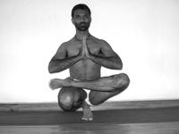 Lakshman Attygalage • yoga • PARIS 11EME ARRONDISSEMENT (3)